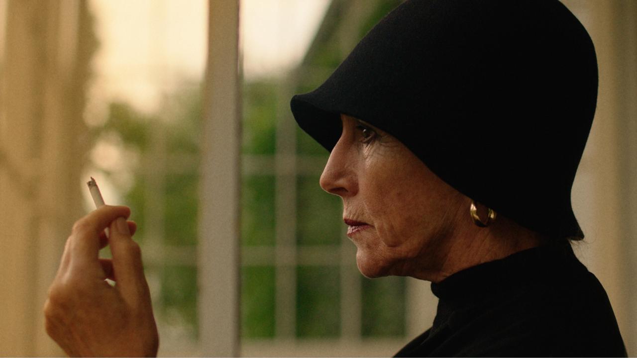 Karen Blixen played by Birthe Neumann in The Pact