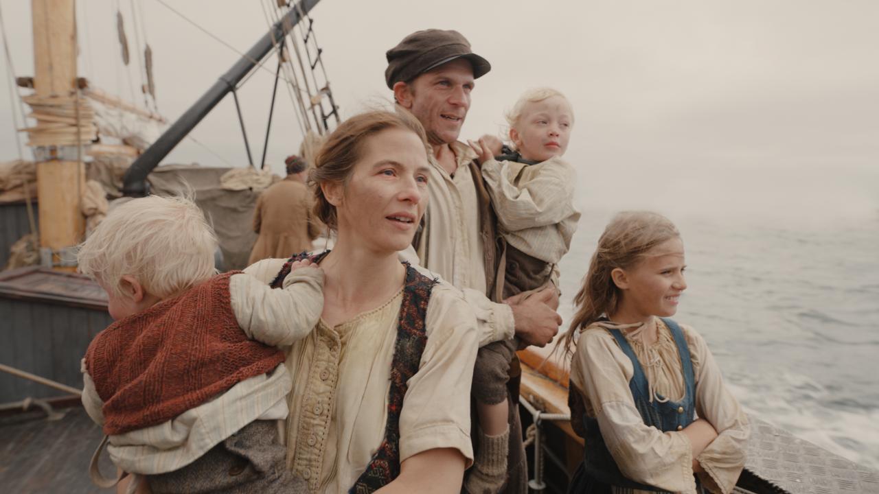 Lisa Carlehed & Gustaf Skarsgård in The Emigrants